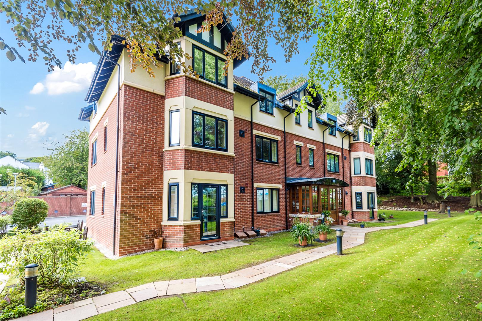 2 Bedroom Apartment Sale Agreed Image 15